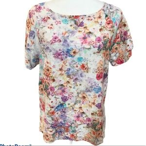 United Colors of Benetton Floral Tee Shirt sz M
